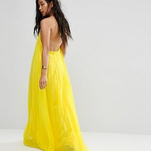 Misguided Low Back Yellow Maxi Dress